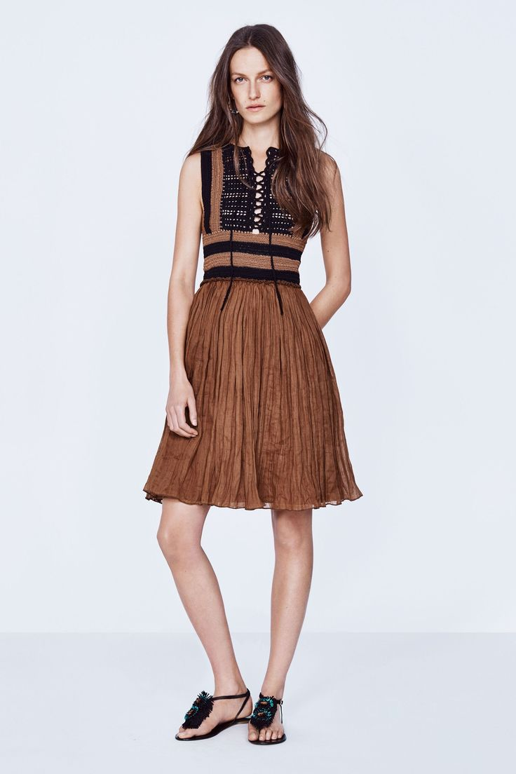 Vanessa Bruno Spring 2016 Ready-to-Wear Collection Photos - Vogue