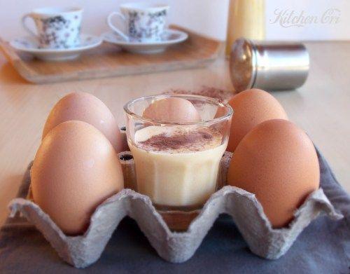 Liquore allo zabaione, il Vov semplice e delizioso da gustare caldo o freddo secondo il proprio gusto