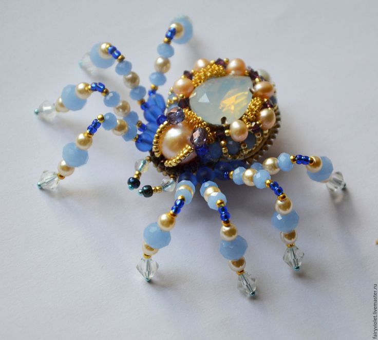 Купить Паучок с жемчугом - голубой, брошь, брошь паук, обїемная брошь, паук, паучок, жук