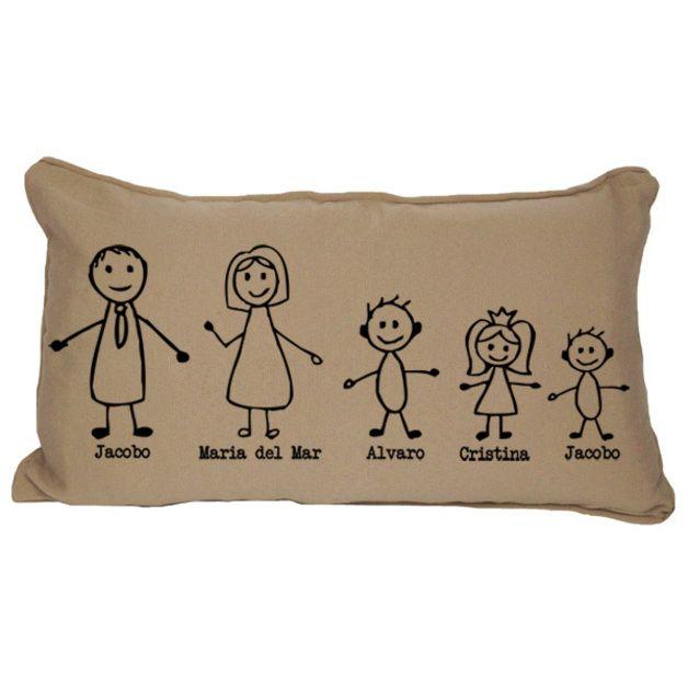 Una idea divertida y diferente de regalo para toda la familia, para el día del padre, para el día de la madre, por navidades, cumpleaños. ¡O para ti! para tener a toda tu familia reunida en el sofá...