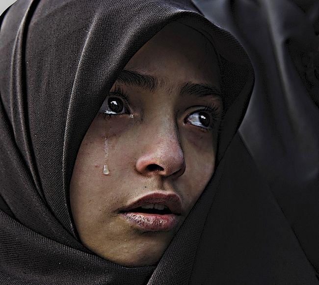 Giv Cry Sad Love: Resultado De Imagem Para Sad Man Crying In Love