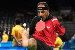 現在行われているリオパラリンピックでエジプトの卓球イブラヒムハマト選手が注目を浴びています 彼は両腕がなく口でラケットを加えてプレーしているんです 普通の人出は出来ない離れ業ですね tags[海外]