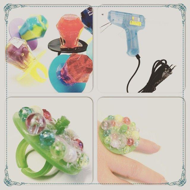 Et søndagstips: lag en ring med rester av lørdagsgodtet med perler og limpistol  #diy #smykker #ring #doityourself #gjørselv #gjørdetselv #limpistol #gjenbruk #kreasiw_jewlery #rom123
