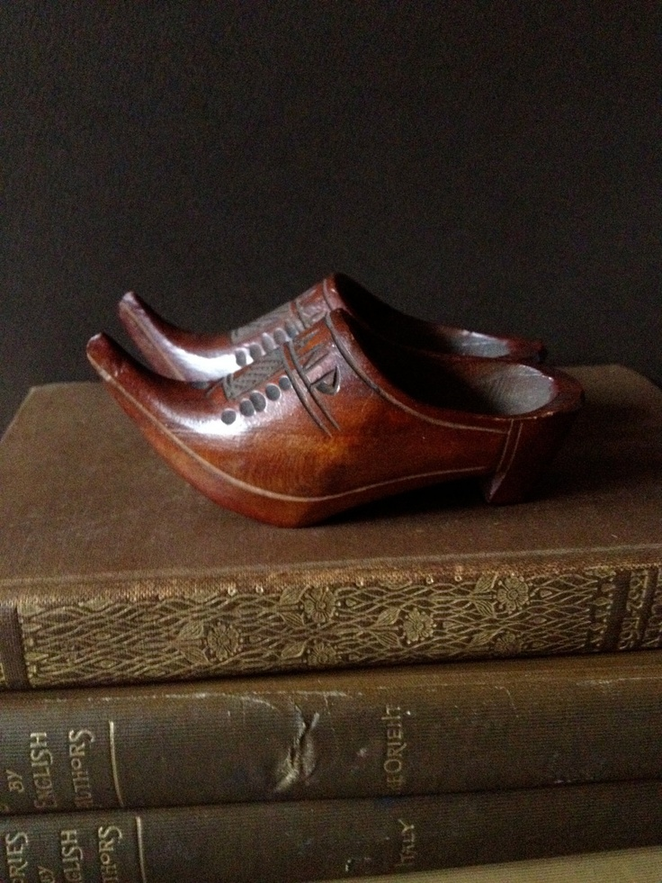 Vtg Holland // Hand Carved Wooden Clogs // Miniatures.