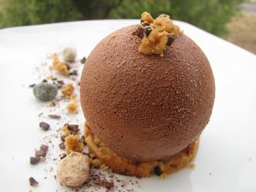 Golosità al cioccolato con interno cremoso alla vaniglia  ( da una ricetta di Maurizio Santin)