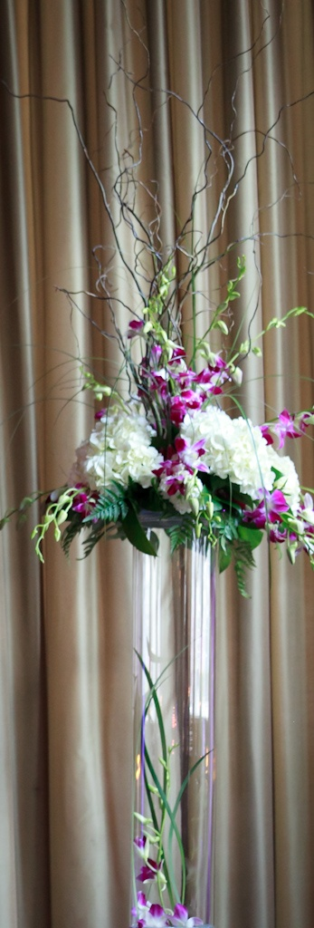 Tall acrylic cylinder wedding vases centerpieces