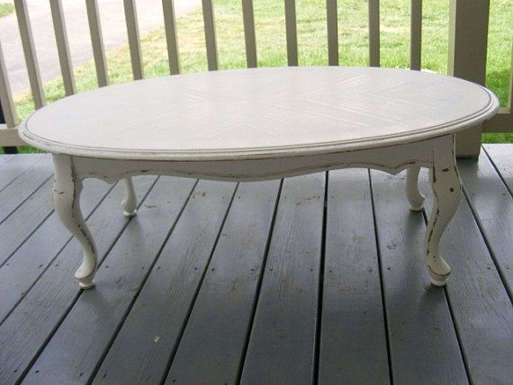 1000 ideas about oval coffee tables on pinterest blue for How to decorate an oval coffee table