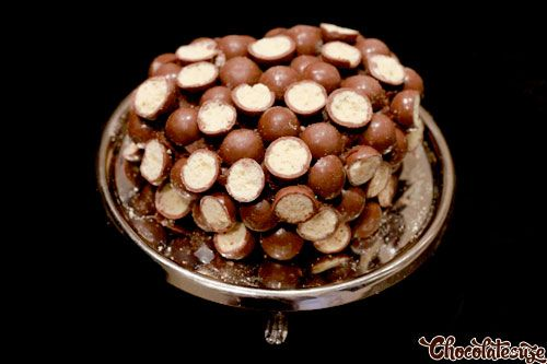 Chocolate malteser cake (recipe by Nigella Lawson)