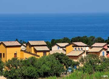 Corsica les Terrasses de Lozari en Corse prix promo Location Corse Vacances Lagrange à partir 369.00 € TTC.