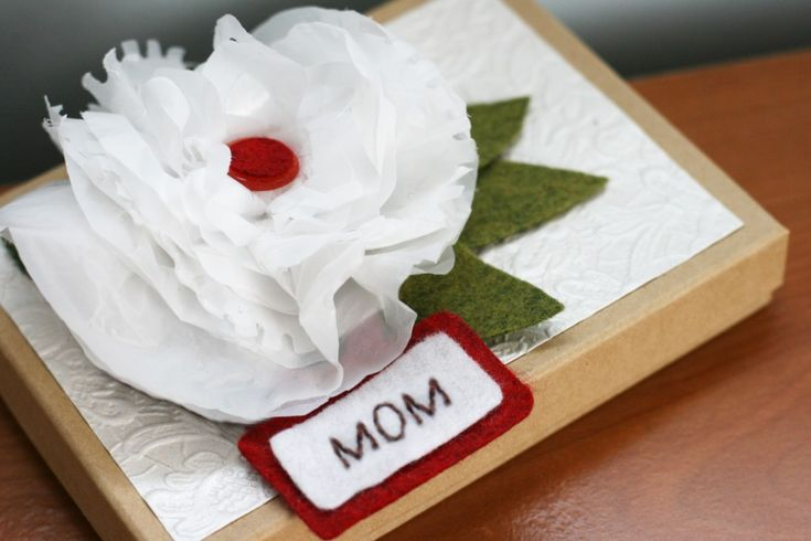 Upcycled Trash Bag Flower Mother's Day Card #mom #mothersday