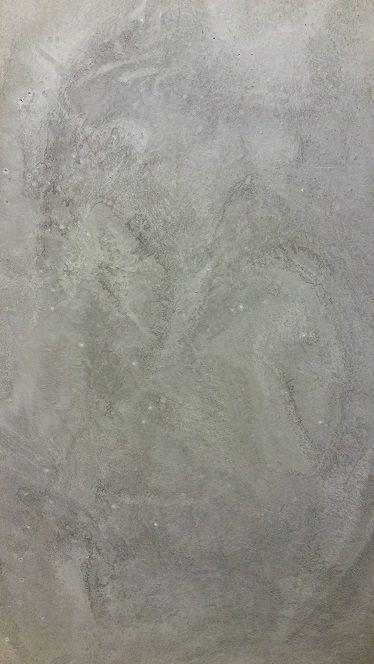 Betonlook egaline licht grijs aangebracht met spaan.