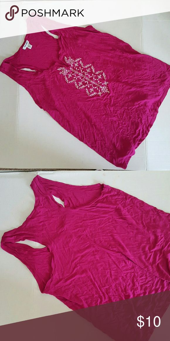 Pink Old Navu tank Gently used! Very flowy and comfortable to wear Cute white aztec design Old Navy Tops Tank Tops