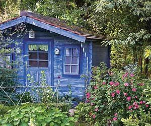 Décorer le potager - Une cabane colorée