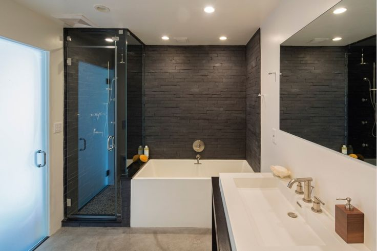 Modern Master Bathroom with Faber Coal Ledge Stone Split Face Random Sized Wall Cladding Tile in Black, Vessel sink