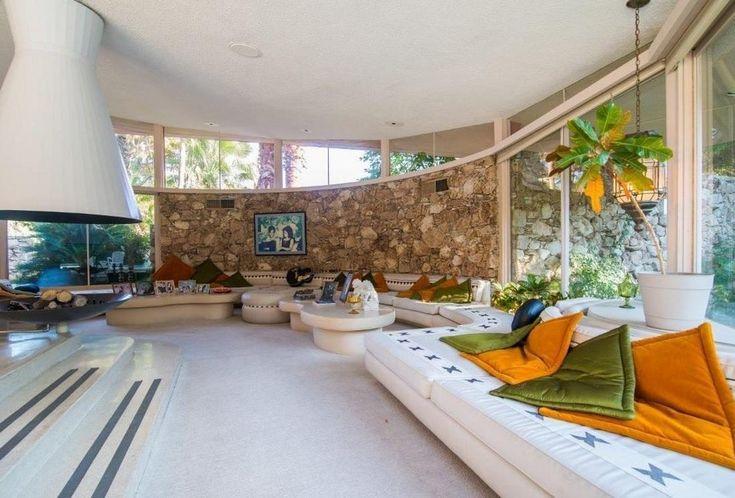 Elvis-Presley-Honeymoon-House-Palm-Spring