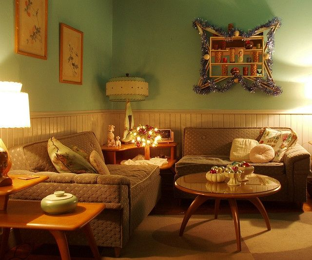 Vintage decor-Heywood Wakefield.