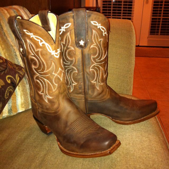 New Tony Lama boots. Makes me smile :-)