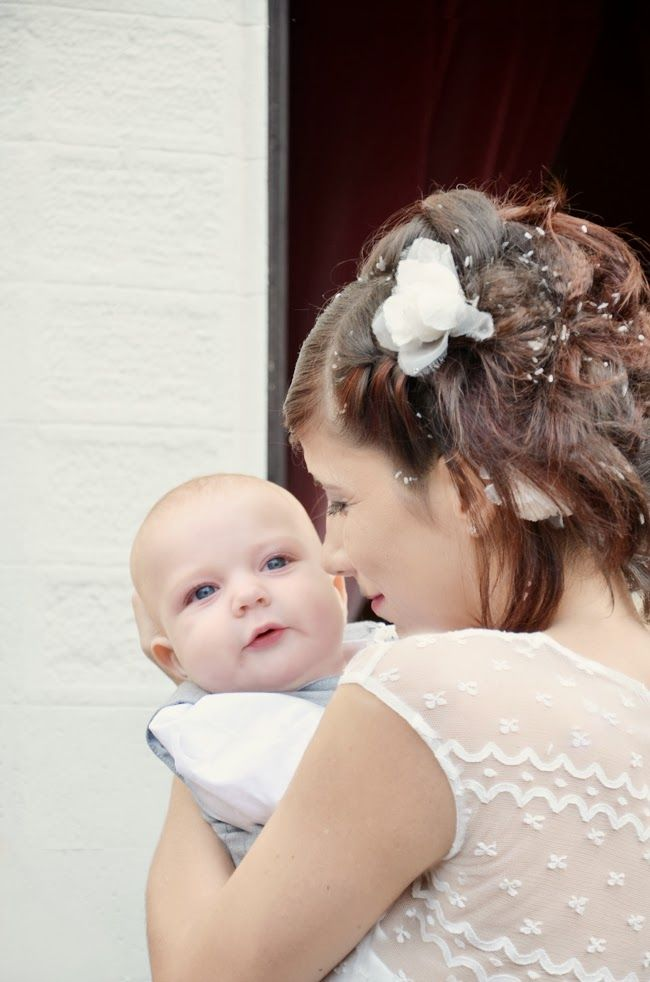 ~ Real Wedding in Tuscany: Deb + Mist ~ bride and her baby