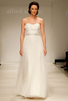 Style 8500 by Modern Vintage by Alfred Angelo