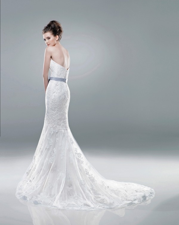 2228 Wedding Dress (Back) – Benjamin Roberts 2011 Collection 