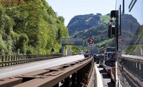Austria rozlokowała wojsko na przełęczy Brenner. Szef MSZ: Szykujemy się i będziemy bronić naszej granicy