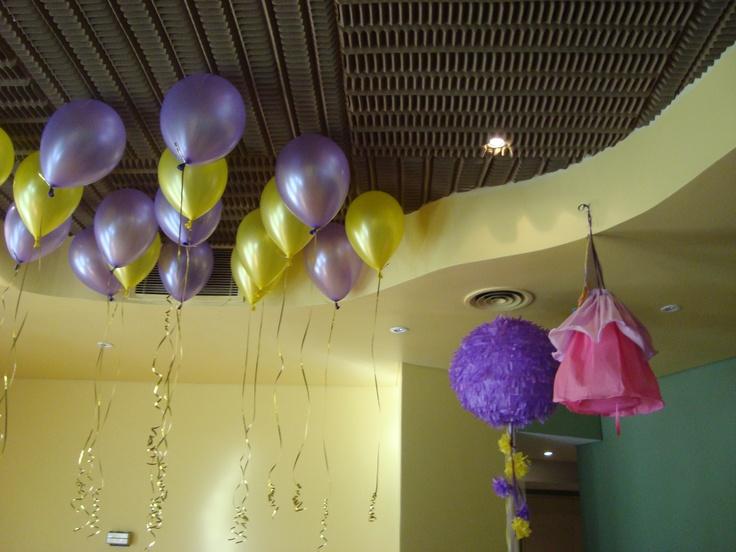 Globos con helio y piñatas