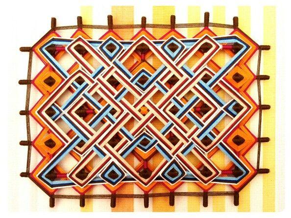 Mandala tibetano diseño original de Atavikal. Modelo fantasía, confeccionado con hilos de algodón, 100% hecho a mano.