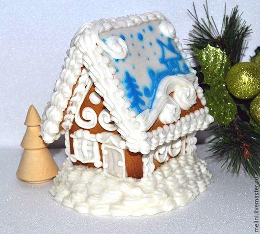 Perníkovej malý dom biela a modrá.