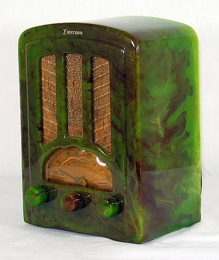 Bakelite radio from the 1940s    http://todd-m-johnson.blogspot.com/2009/09/ode-to-bakelite.html