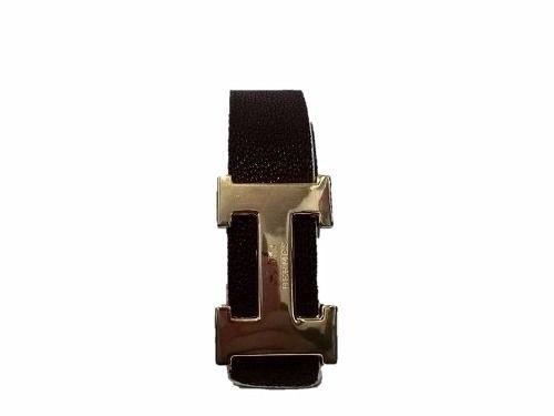 Cinturon Importado Hermes Reversible     Largo total: 1,7 cm Ancho: 3,5 cm Colores:           - Reversible Negro y Marròn           - Reversible Marròn y Blanco Hebilla Dorada
