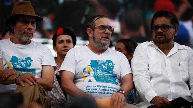 """FARC suspende campaña electoral en Colombia por falta de seguridad / Caracas.- La exguerrilla FARC anunció este viernes la suspensión temporal de su campaña electoral en Colombia por falta de """"garantías"""", tras """"saboteos"""" y """"agresiones"""" a algunos de sus candidatos. """"En vista de los hechos que han ocurrido contra nuestros candidatos, principalmente Rodrigo Londoño (Timochenko), candidato a la presidencia se ha tomado"""