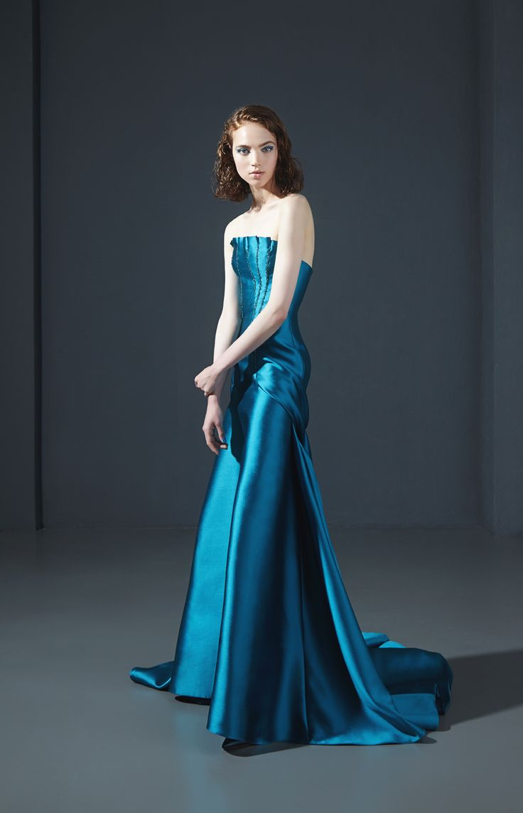 160024: Strapless mermaid dress in mikado with embroidered bodice