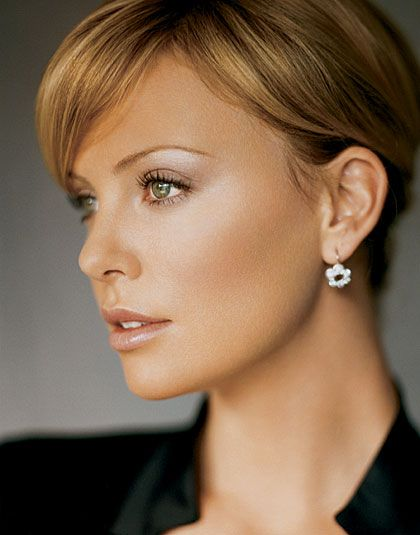 Charlize Theron - nude makeup