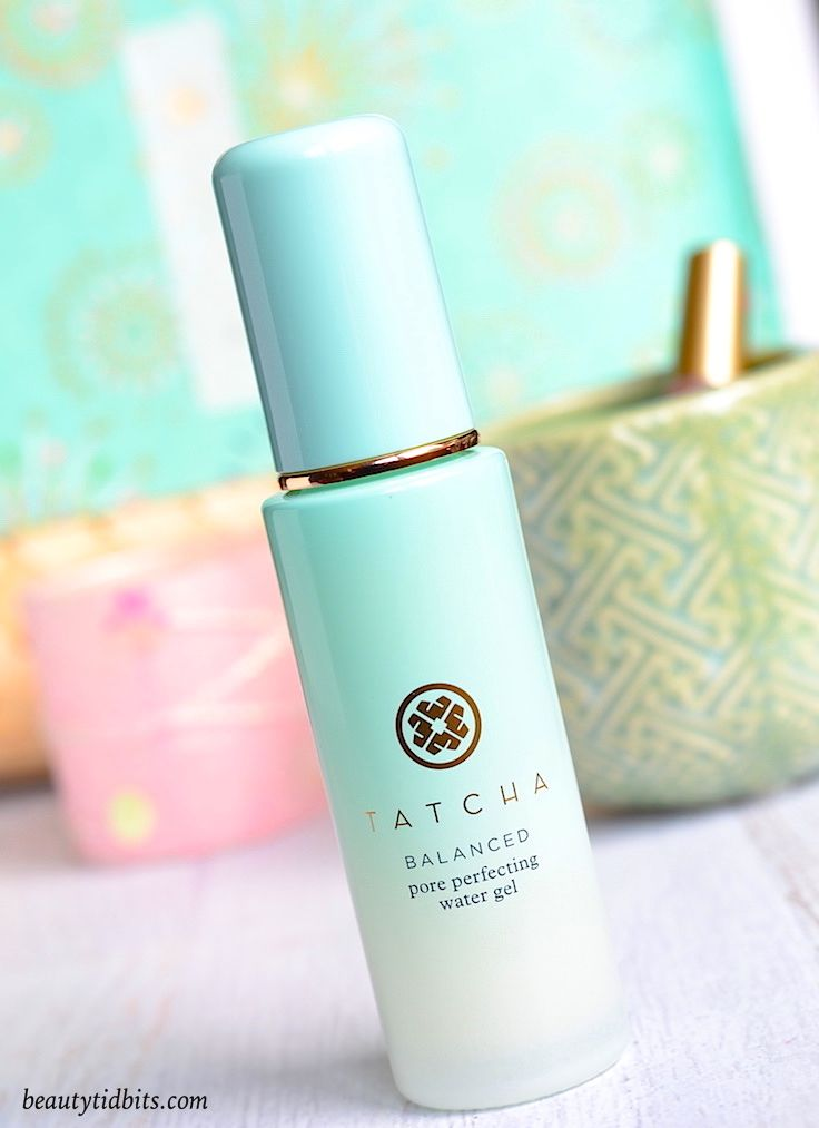 Need an ultra-light moisturizer that helps balance your skin, provides hydration, and keeps oil at bay? Tatcha Pore Perfecting Water Gel Moisturizer is just what you need! Made with oily skin in mind, this refreshing moisturizer doubles as a perfect base for makeup while adding a shine-free glow!