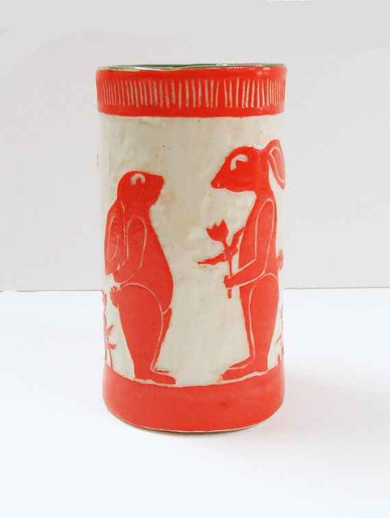 In voorraad! Hand gebouwde BUNNY TUMBLER / vaas Sgraffito - Sweetheart konijnen - personaliseren kleur - Mexicaanse volkskunst geïnspireerd