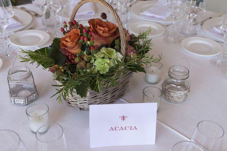 Composizione floreale per i tavoli #matrimonio