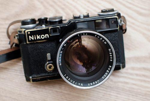 Beautiful built old Nikon 35mm rangefinder camera. AL