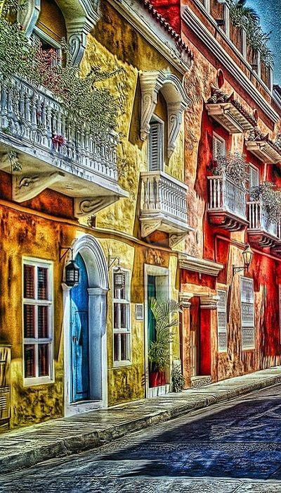 Paseo real por las calles de Cartagena, Colombia.