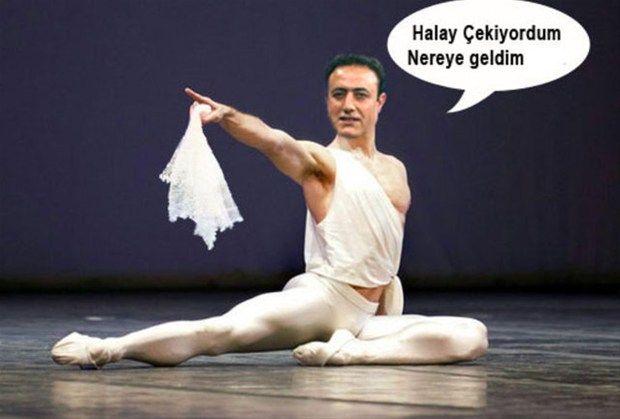 Halayın başı Mahmut Tuncer abimizin en komik capslerini sizin için bulduk. Devamı için fotoğrafa tıklayın.  #caps #incicaps #komedi #komik #mahmuttuncer #halay #lo