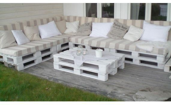 Outdoor Pallet Seating - The Foam Shop