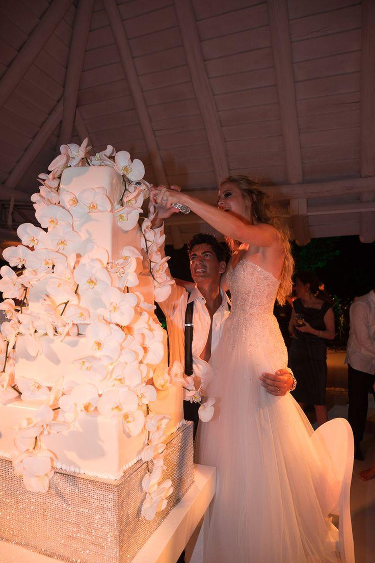best destination wedding cake ideas | luxurious orchid tall wedding cake