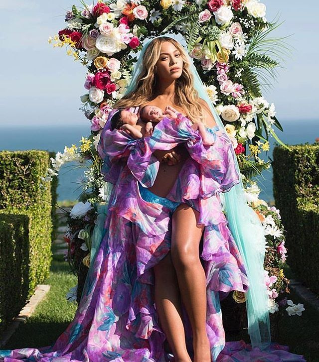 Ma egy hónaposak a #Beyoncé #ikrek Sir Carter & Rumi #beautiful #twins #firstdebut @beyonce #elle #ellehungary @elleaus  via ELLE HUNGARY MAGAZINE OFFICIAL INSTAGRAM - Fashion Campaigns  Haute Couture  Advertising  Editorial Photography  Magazine Cover Designs  Supermodels  Runway Models