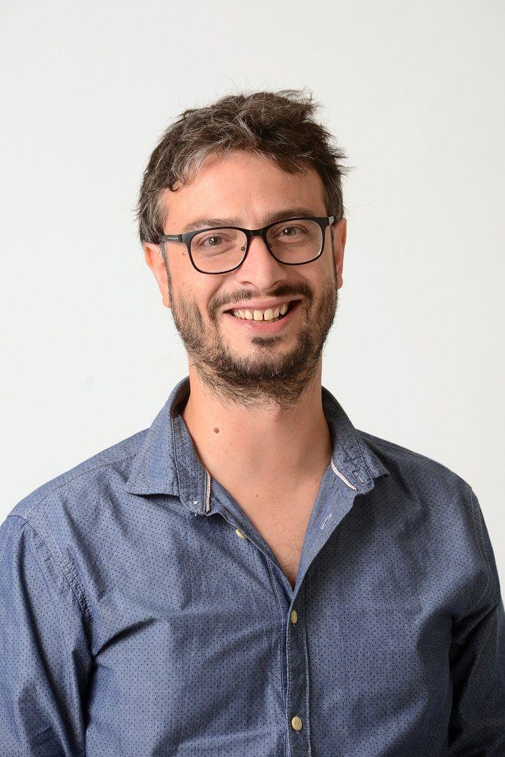 """[Team] Renato De Stephanis è il nostro Senior Software Engineer. Di lui dice: amo la letteratura in genere e poi... mia moglie e la mia """"ciotolina""""! #BookingExpert http://www.bookingexpert.it/chisiamo.html"""