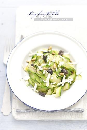 tagliatelle di zucchine  www.pane-burro.blogspot.com