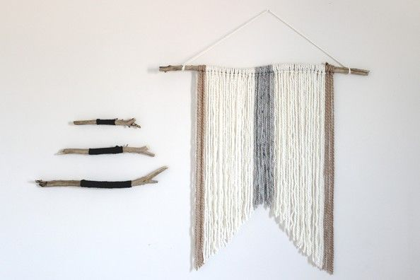 D.I.Y. Wall Hanging Inspired by Nature to create a simple and rustic wall hanging to celebrate the change in seasons.