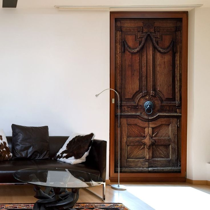 Tapeta na drzwi imitująca stare, drewniane drzwi