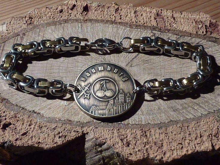 Einzigartiges Collier-Armband mit Naumburger-Motiv aus Edelstahl in Bicolor gibt es bei Münzenrömer.de