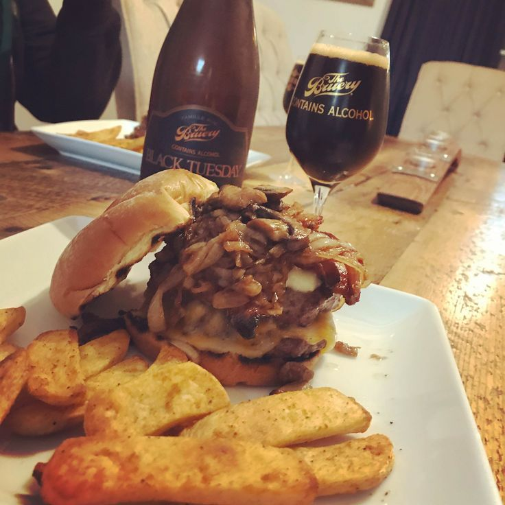 Sirloin Berger for Superbowl Sunday. Balsamic glazed onions butter sauteed mushrooms bacon brie and Colby cheese grill toasted buns. Bonus: 20.3% Black Tuesday (The Bruery)