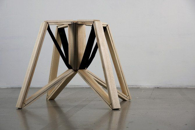 Foldable Stool with Structure that Inspired by A Spider's Legs - Spin