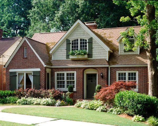 25 best ideas about red brick houses on pinterest brick for Brick selection for houses
